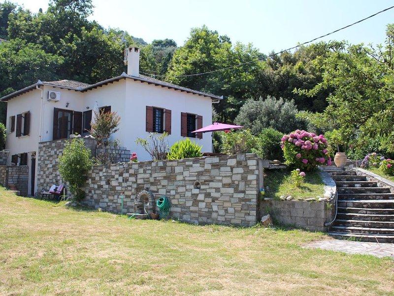 Schönes, freistehendes Ferienhaus direkt am Strand | Magnisia-Pilion, Thessalien, vacation rental in Chorefto
