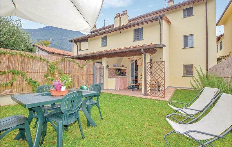 3 Zimmer Unterkunft in Camaiore -LU-, casa vacanza a Valdicastello Carducci