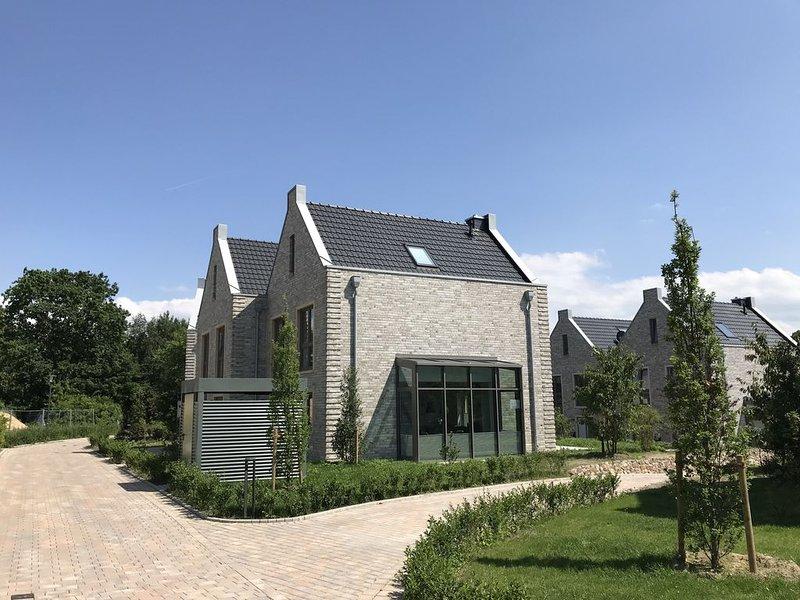 Villa Wunderbar Dangast - Ferienhaus für max. 6 Erwachsene + 1 Kleinkind, holiday rental in Schweiburg