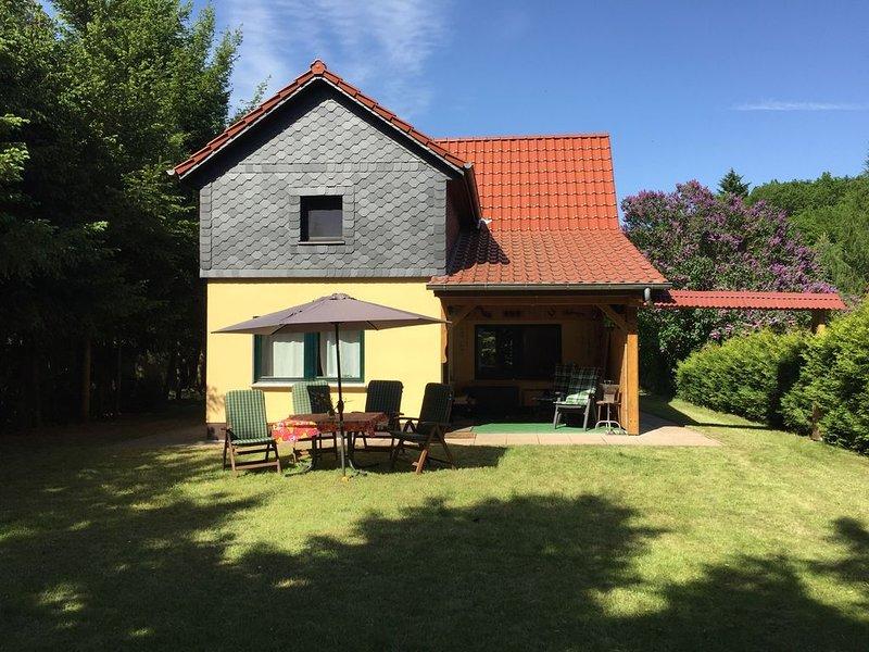Mirow/Lärz- Ruhe Pur- Wald&See - Haus, Kamin, Grundstück, holiday rental in Diemitz