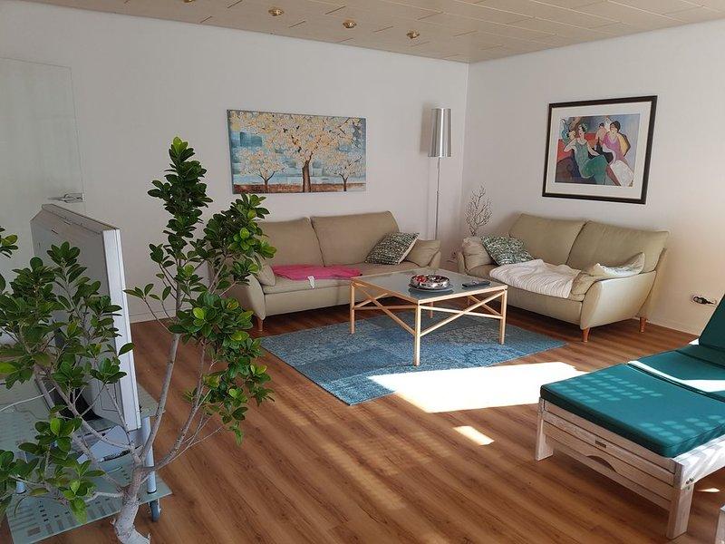 Moderne sonnige Ferienwohnung für 2 Personen im Zentrum von Heilbronn, alquiler vacacional en Grosserlach