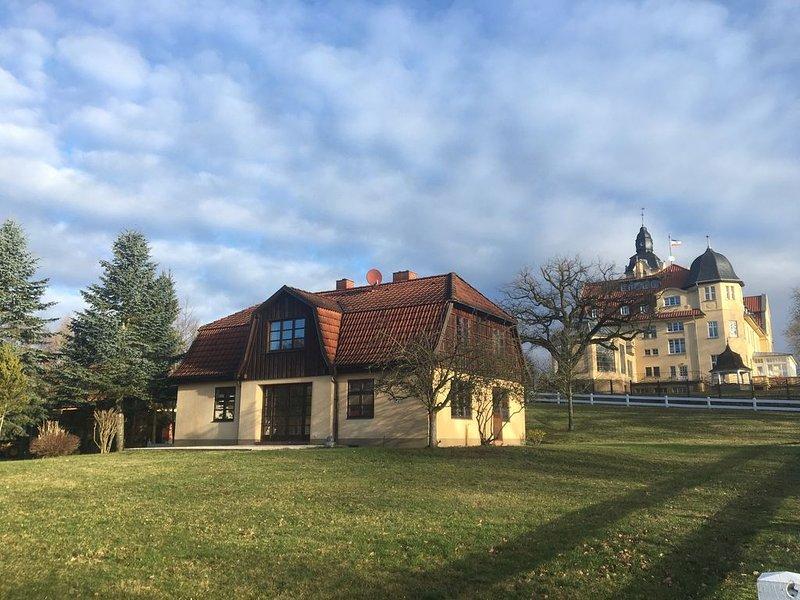 Haus Monika bei Schloss Wendorf, vacation rental in Klein Labenz