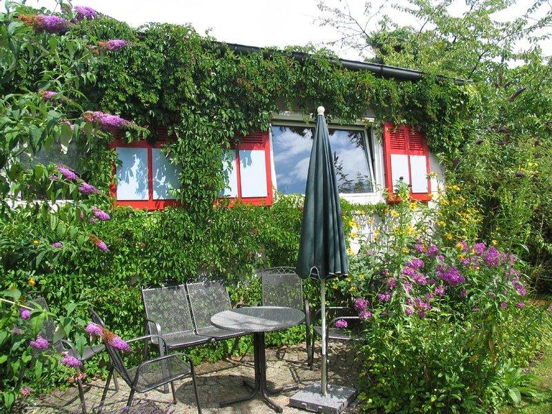 Ferienhaus im grünen Norden Berlins für 6 Personen, aluguéis de temporada em Hennigsdorf
