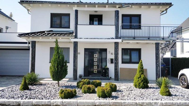 Suite!!! Wohnung mit viel Raum und Licht!, holiday rental in Canton of Schaffhausen