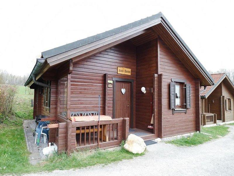 Ferienhaus Jägerpark Viechtach 24, Hallenbad, WLan und Energiekosten inklusive, vacation rental in Bogen