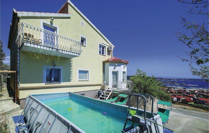 7 Zimmer Unterkunft in Seget Donji, casa vacanza a Gornji Seget