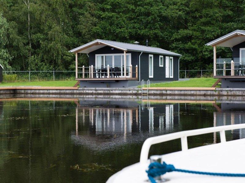 Komfort 2-4-Personen-Chalet im Ferienpark Landal Waterpark Sneekermeer, vacation rental in Grou
