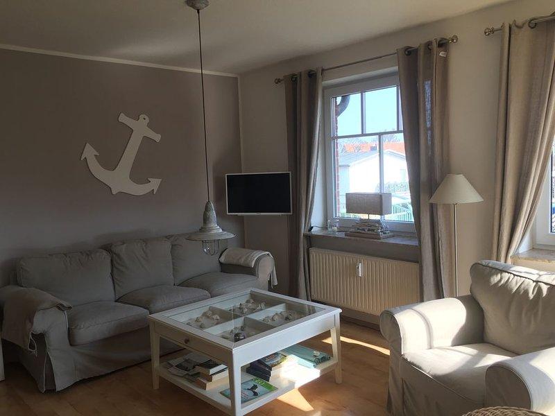 Mit reserviertem Strandkob-nur 100 m zum Strand, helle u. freundliche Fewo, alquiler de vacaciones en Boltenhagen