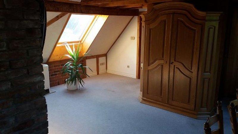 FERIENAPPARTEMENT HAAN  HAUS-IM-HAUS CHARAKTER, holiday rental in Remscheid