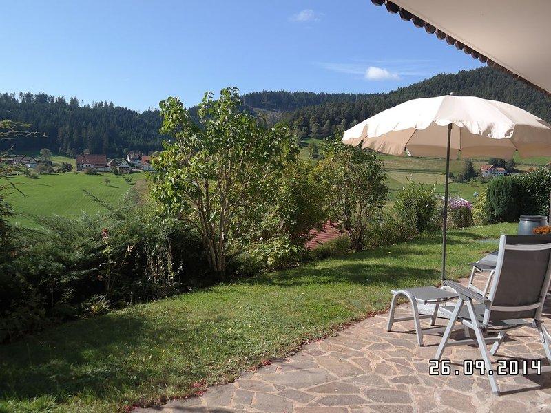 Traumhafte Lage mit herrlichem Ausblick für 2-4 Personen, holiday rental in Baiersbronn