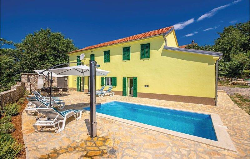3 Zimmer Unterkunft in Barci, holiday rental in Grizane-Belgrad