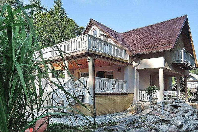 Ferienhaus, Dziemiany, location de vacances à Parchowo