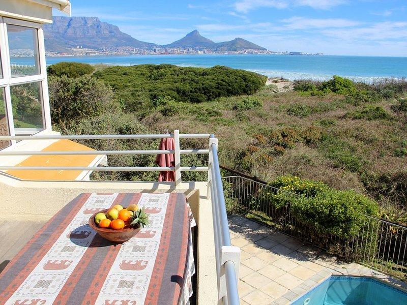 Direkt am Strand, Blick auf Tafelberg, Swimming Pool, Security Complex, holiday rental in Milnerton