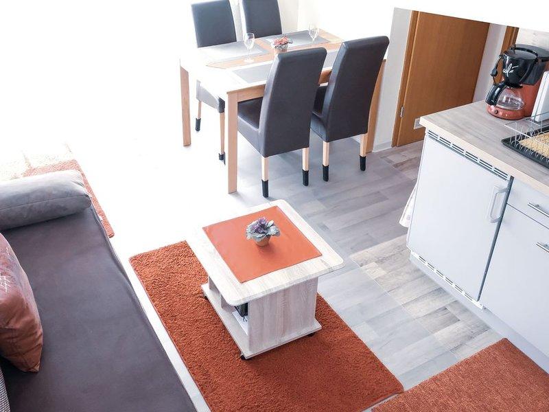 Ferienwohnung Doris (B), 40qm mit 1 Schlafzimmer für maximal 3 Personen, holiday rental in Langenargen