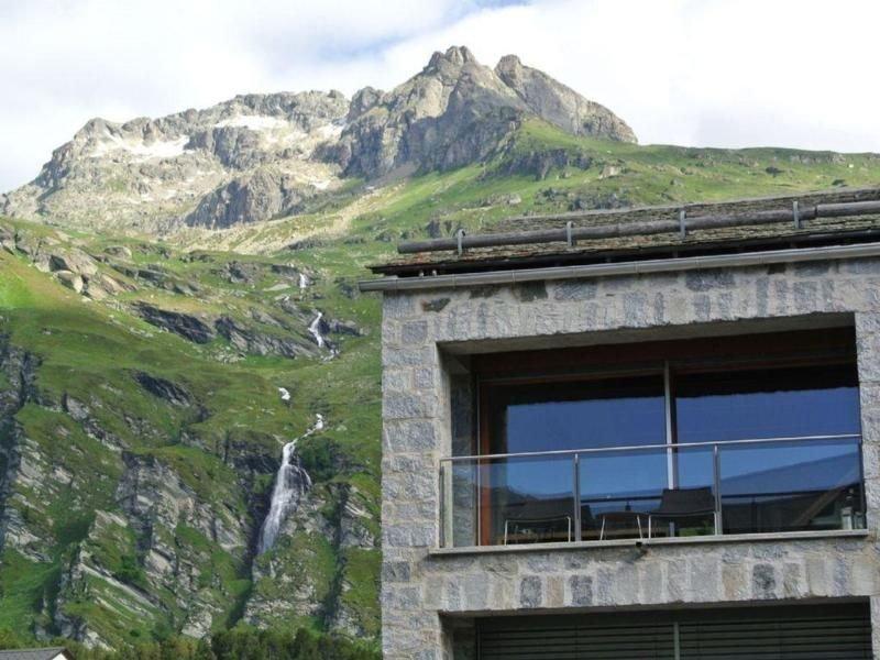 Ferienwohnung Maloja für 4 Personen mit 2 Schlafzimmern - Penthouse-Ferienwohnun, vacation rental in Cresta