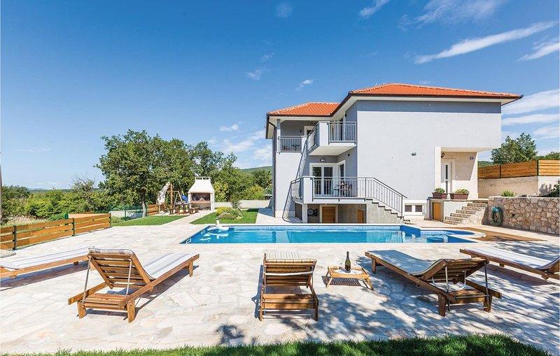 4 Zimmer Unterkunft in Blato na Cetini, holiday rental in Cista Provo