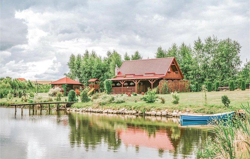 3 Zimmer Unterkunft in Wegorzewo, holiday rental in Trygort