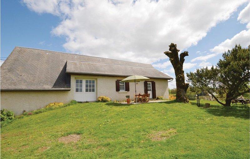 3 Zimmer Unterkunft in Soursac, holiday rental in Gros-Chastang