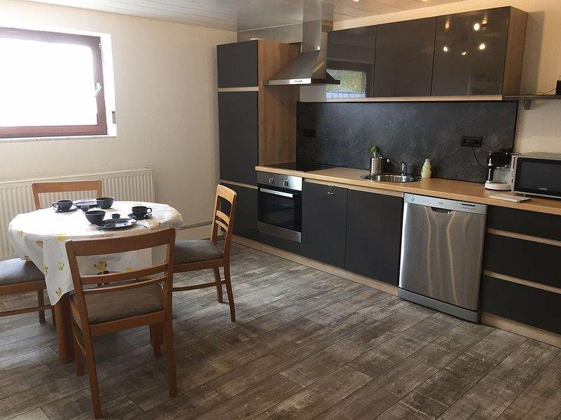 Ferienappartment Trixi, 60qm mit 1 Wohn-/Schlafraum für max. 2 Personen, aluguéis de temporada em Waldachtal
