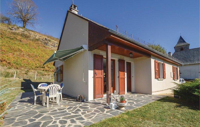 2 Zimmer Unterkunft in Le Fau, aluguéis de temporada em Saint-Bonnet-de-Salers