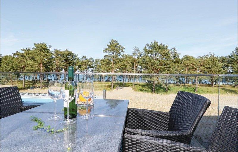 2 Zimmer Unterkunft in Prora/Rügen, holiday rental in Prora
