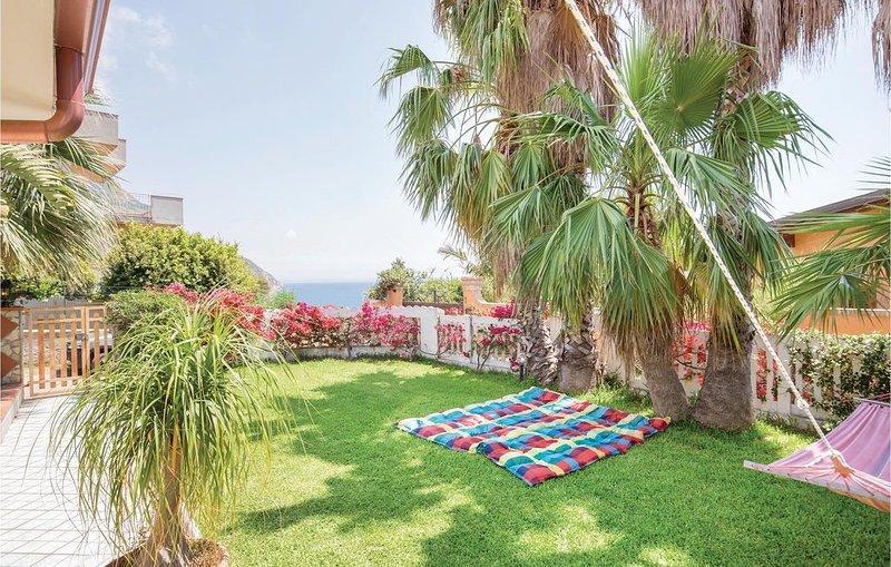 3 Zimmer Unterkunft in Ricadi, holiday rental in Nicotera