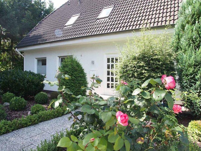 Ferienhaus Weedkroog - Sauna, Kamin, Strandkorb, 4 Schlafzimmer-, holiday rental in Bad Schwartau