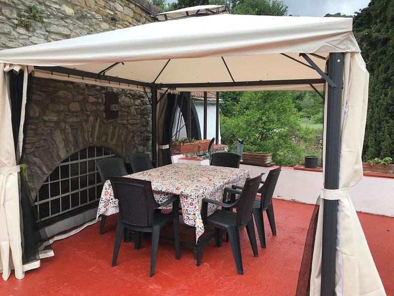 Idyllisch gelegene antike Muehle am Fluss, Pool, Garten, Frühstück, 5km zum Meer, location de vacances à Lingueglietta