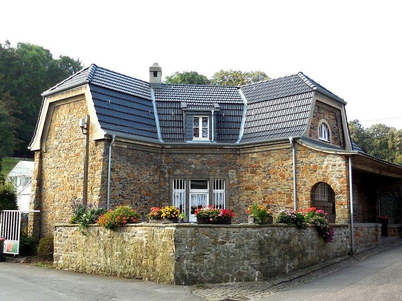 Denkmalgeschützte van de Velde – Naturstein-Villa, Nähe Sauerland und Ruhrgebiet, casa vacanza a Dortmund