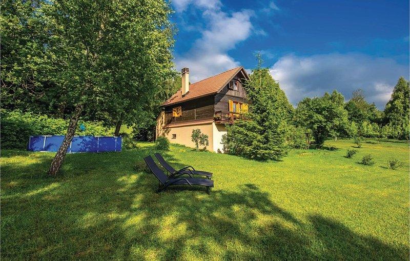 4 Zimmer Unterkunft in Breze, alquiler vacacional en Breze