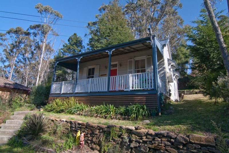 Piccolo - eclectic historic miner cottage, holiday rental in Blue Mountains