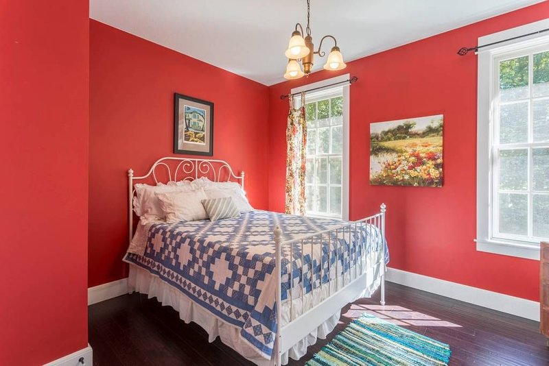 Hen Haven Country Cottage, casa vacanza a Langley