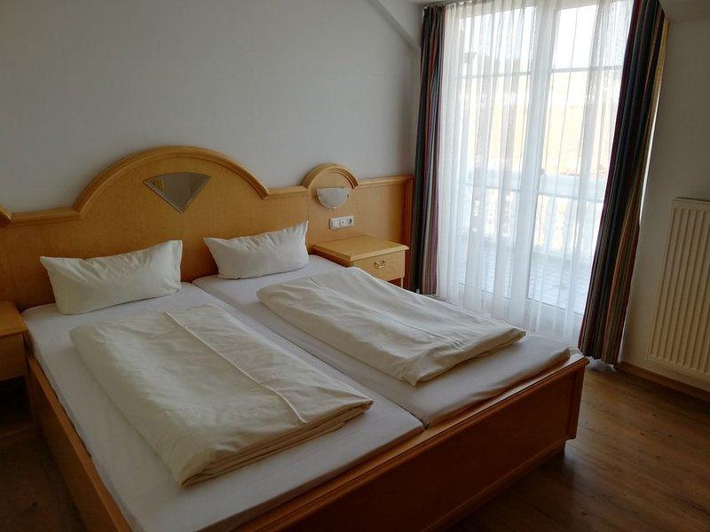 Gemütliches Appartement (Suite) mit großem Balkon, holiday rental in Hohenwarth