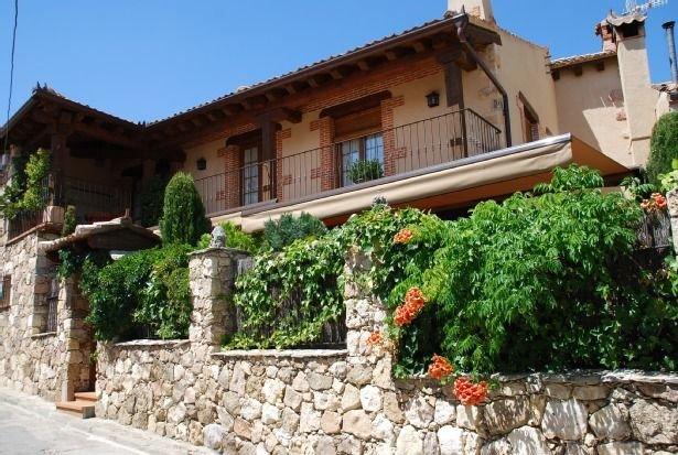 Casa rural (alquiler íntegro) La Vega para 10 personas, aluguéis de temporada em Pedraza