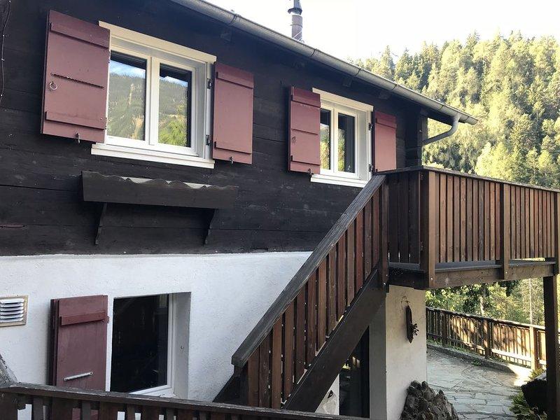 Romantisches Chalet Bijou in den Alpen, holiday rental in Lax