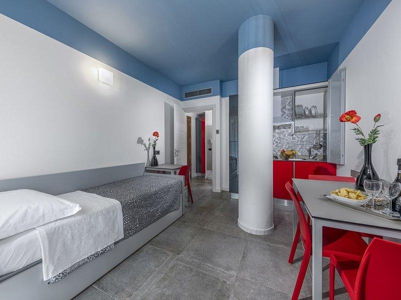 Filmare Residence 6 Suite (4 Adulti) con bellissima piscina a 100 mt dal mare, location de vacances à Coriano