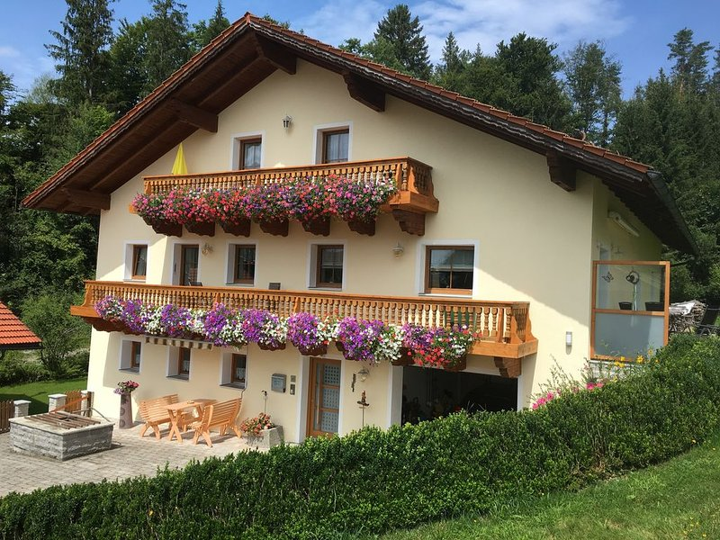 Ferienwohnung Haus-Peschl, location de vacances à Neureichenau
