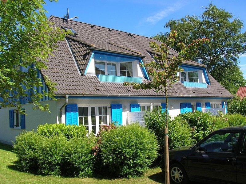 großzügige Maisonette-Wohnung im Mühlenpark, WLAN, West-Loggia, holiday rental in Ostseebad Prerow