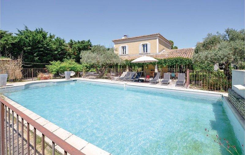 6 Zimmer Unterkunft in Cavaillon, holiday rental in Cavaillon