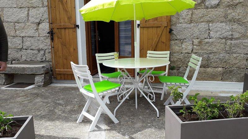T2 tout confort dans maison de village, holiday rental in Belvedere-Campomoro