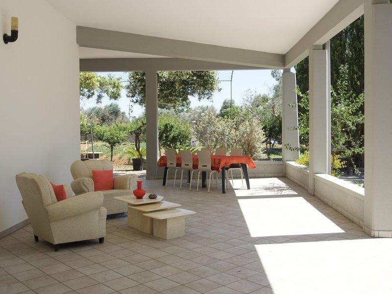 5* Villa de vacances idéale, terrain de 2000 m², arbres fruitiers et paysagers, location de vacances à Collepasso