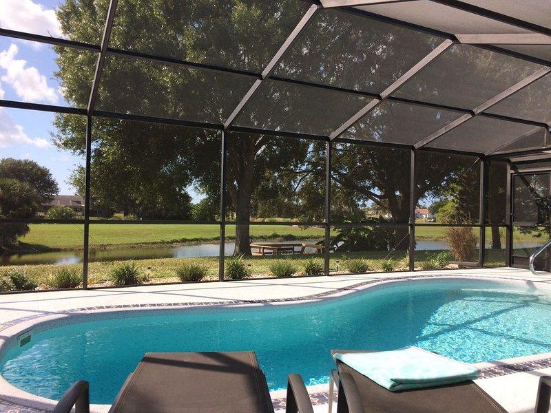 Moderne Ferienvilla mit Blick auf den See und den Golfplatz, casa vacanza a Rotonda West