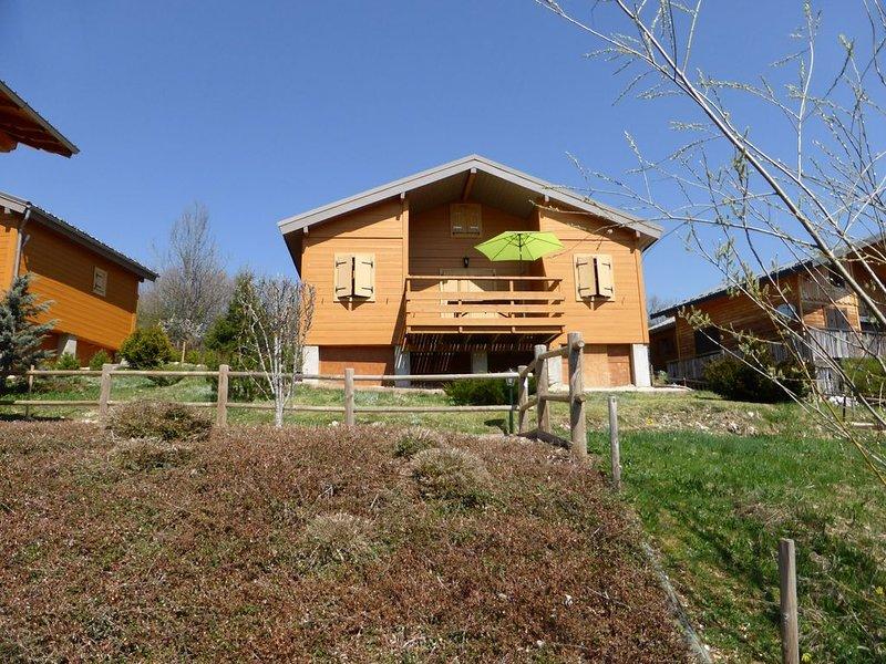 Chalet cosy région lacs et randonnées, holiday rental in Saint-Pierre