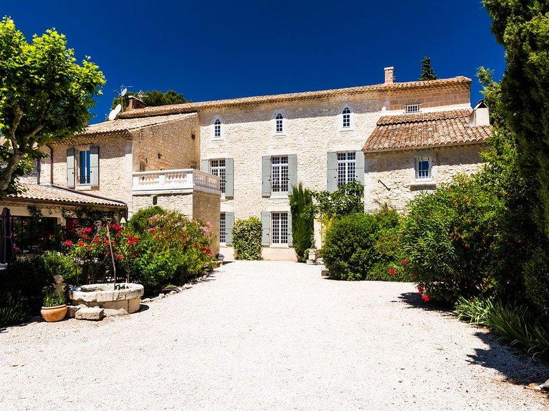 La Choisity en Provence  Propriété de Prestige, vacation rental in Aramon