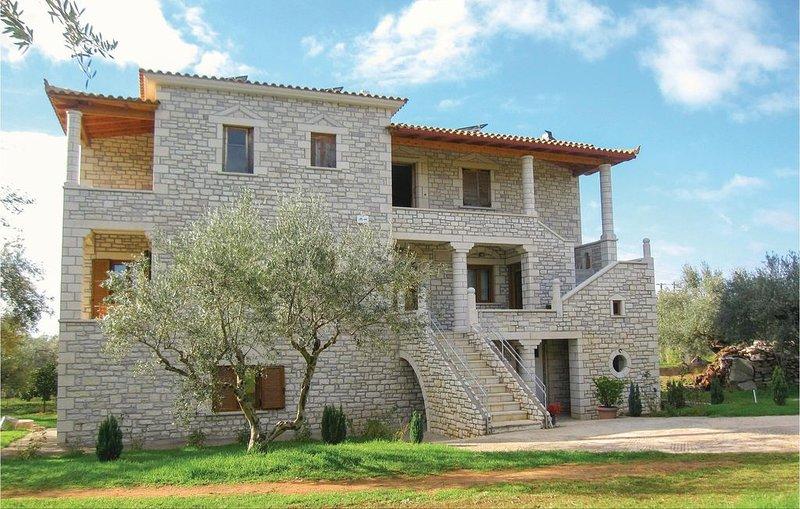3 Zimmer Unterkunft in Kyparissia, holiday rental in Neochori