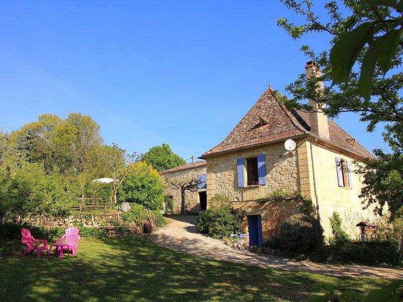 Tout le charme du Périgord MAISON entiére équipée Wifi jardin Chien OK Bergerac, location de vacances à Cause-de-Clérans