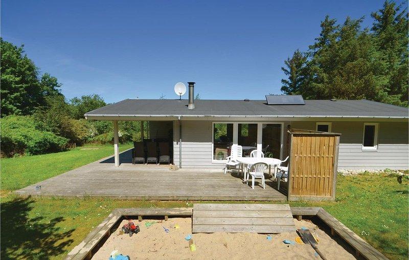 4 Zimmer Unterkunft in Spøttrup, casa vacanza a Hvalpsund