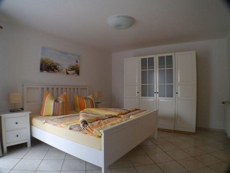 großzügige Ferienwohnung, ruhige zentrale Lage, 5 Gehminuten zum Strand, vacation rental in Minsen