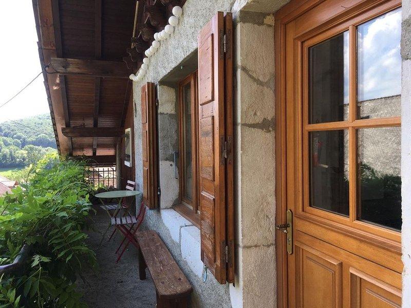 Agréable maison à Talloires (Perroix) - 6/7 personnes, holiday rental in Echarvines