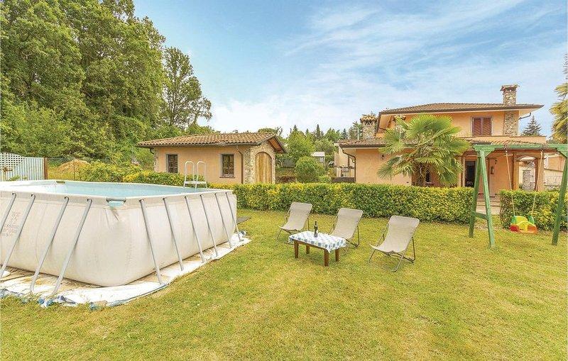 4 Zimmer Unterkunft in Camaiore, vacation rental in Salapreti